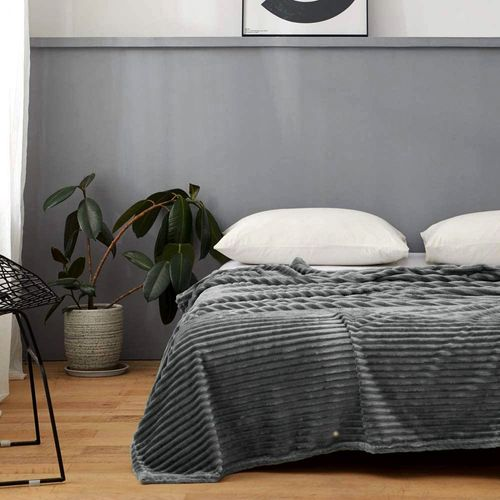 frazada-queen-corderito-en-cama